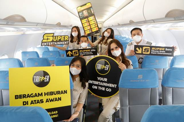 SUPER JET: Fly While Watching Movies, Free!!!